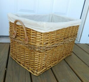 Large Wicker Basket 20 x 13 x 12 Rectangle Handles Cloth Lined Storage Laundry