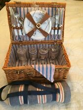 4-Person Picnic Basket. Never Used.