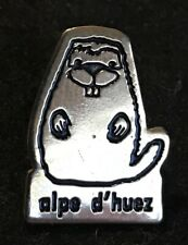 ALPE D'HUEZ Skiing Ski Pin Badge Tour De FRANCE Souvenir Travel Lapel