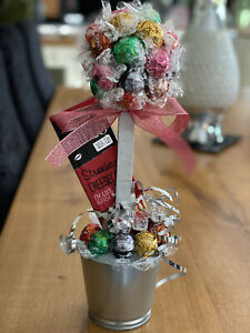 Lindt Lindor Mix Choc Sweet Tree With Strawberries & Cream Choc Bar! Great Gift!