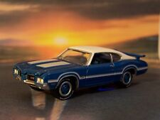 1972 72 OLDSMOBILE CUTLASS 442 W30 DIECAST COLLECTIBLE MODEL 1/64 SCALE DIORAMA