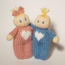 Love Hearts Bitsy Baby Valentines knitting Pattern, a quick yarn stash knit
