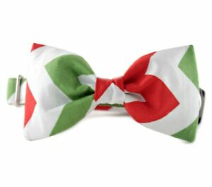 Red and Green Candy Cane Stripe Bow Tie Dog Collar