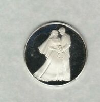 WEDDING PRESENT FINE SILVER MEDAL IN NEAR MINT CONDITION