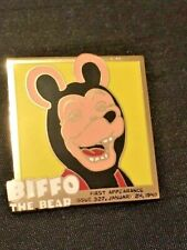 More details for comic 22ct gold-plated enamel badge by the danbury mint 15/02/2021/14 beano