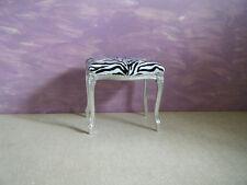 Pouff/sgabello foglia argento in tessuto zebrato
