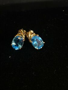 14k Yellow Gold Estate Sky Blue Topaz Solitaire Stud Earrings