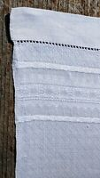 """Vintage Intricate Pattern White Linen Rectangle Table Topper 26 x 40.5"""""""