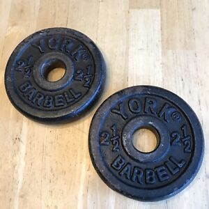 Lot Of 2 York Barbell 2.5 LB Weight Plates STD 1 1/8 Hole 5 LB Total VTG Rusty