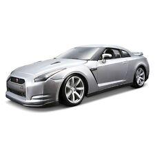 BBURAGO 1:18 de metal 2009 Nissan GT-R (Los Colores Pueden Variar)