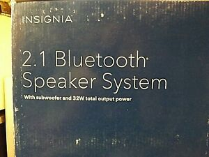 INSIGNIA 2.1 BLUETOOTH SPEAKER SYSTEM WITH SUBWOOFER AND 32W OUTPUT POWER