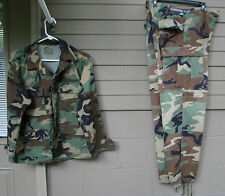 Army woodland uniform, hunting, paintball Top=MED.SH, Pant=MED-LG    ( Loc = K1)