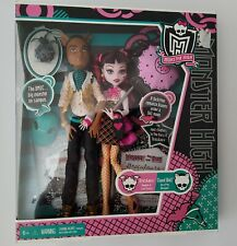 Monster High Draculaura and Clawd Wolf Pack. Mattel.