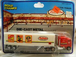 Road Champs True Value Die Cast w/ Plastic Parts Tractor Trailer 1986 NEW