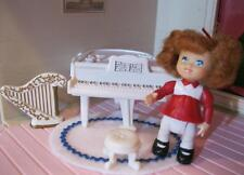 Fisher Price CHRISTMAS DOLL FAMILY FIGURE People-TODDLER GIRL w/Baby Grand Piano