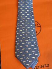 Original Hermès-Krawatte (twillbi) 5415 in blau mit grauem Kater und Mäusen