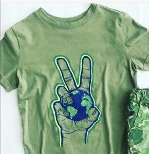 Cat & Jack Kid Unisex T-Shirt World Peace Size M (8-10) Green
