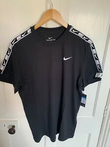 Nike BRAND NEW WITH TAGS men's Repeat Taped black T-shirt, size Medium CZ7829-01