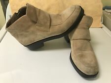 Hush Puppies Tan Ankle Boot Booties Suede Waterproof Quilted Zip Strap 11M 6151C