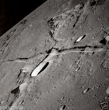 Photo Nasa - Apollo 10 - La Lune - canal lunaire - A Rille Runs Through It