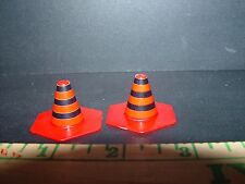 1/24 TH SCALE LOT OF 2 ROAD WORK SAFETY CONES WORK SHOP / GARAGE DIORAMA PROP!!