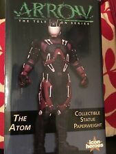 The Arrow  tv series   The Atom limited edition    statue paperweight  figure