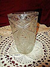 Ancien vase en cristal de bohème taillé dans la masse-Queen's dentelle vintage