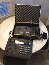 ROLAND Human Rhythm Composer R-8 Drum Machine w/Powr Supply and Travel Case