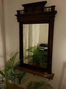 Alter Spiegel aus Holz mit facettiertem Glas (überholungsbedürftig)
