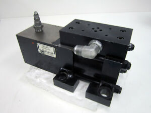 """MTS 286.02 PRESSURE INTENSIFIER WITH MILWAUKEE CYLINDER CORP CX1982 1.5"""" STROKE"""