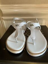 NWT MICHAEL KORS WHITE THONG SANDALS SIZE 9.5