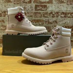 """Timberland Women  Limited Edition Holiday 6"""" Waterville Boots Style: A2AZR"""