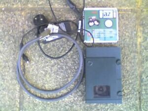Iomega, V1000S JAZ 1GB SCSI2 Drive with JAZ 1 GB Disk , PA2150 PSU & HD Cable -C