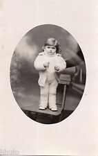 BK945 Carte Photo vintage card RPPC Enfant monté sur chaise portrait studio