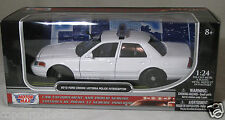 Motormax 1/24 2010 Ford Crown Victoria Police Car Blank White w/ Lightbar 76469