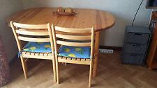 Table ovale avec 4 chaises