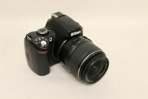 NIKON D40 SLR DIGITAL CAMERA w/18-55MM DX LENS - 6.1MP-1-3.5-5.6