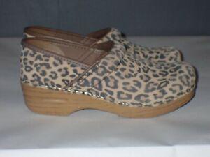 Women's Dansko Leopard Print Suede Clogs Size 39 EU, 8.5/9 US
