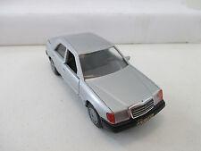 Cursor Modell 1:35 1084 Mercedes-Benz 200-300E WT9950
