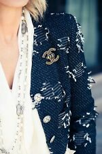 15P Chanel Black And White Tweed Cropped Jacket 34 36