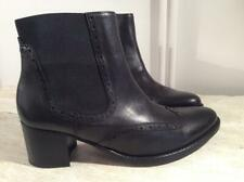 GABOR BLACK LEATHER BROUGE STYLE ANKLE BOOT / CHELSEA BOOT..NEW.UK 6.5