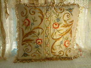 """20"""" Classic French Swirls Rose Floral Beige Aubusson Design Embroidery Pillow"""