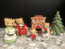 Homco 6 Piece Set Christmas Kitties Around Fireplace 5103