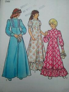 """Vintage 1970s Style Bridesmaid Dresses Sewing Pattern #1406 Chest 23"""" 58cms"""
