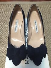 095bd64d5ad20 MANOLO BLAHNIK Navy Suede Heels with Bow detail Size 38.5