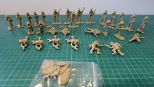 Airfix British 8th Army Figures 1/32 Scale, 29 figs, most damaged