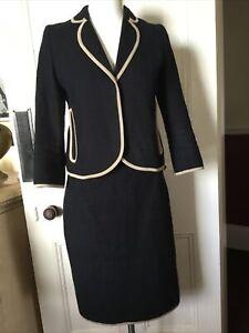 Hobbs size 8/10 suit navyBeautiful