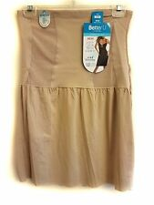 NWT SHAPING HALF SLIP SMOOTHING WAISTLINE SLIMMING FIRM CONTROL NUDE MSRP $54