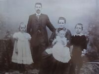 Familienportrait - Vater + Mutter 3 Kinder - Foto / Fotographie - Graaf / Zwolle