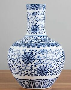 Handmade Vase Blue and white Porcelain Jingdezhen Chinese Ceramic Reproduction